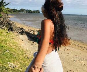 couple, tahiti, and mer image
