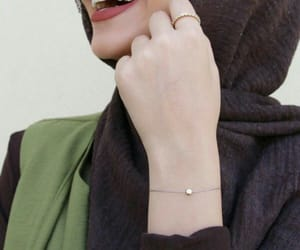 girl, hijab, and بُنَاتّ image