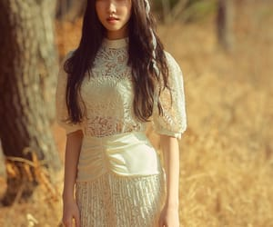 gfriend, yuju, and kpop image