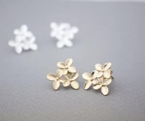 daisy, earrings, and girl image