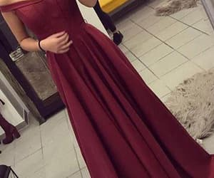 sexy prom dresses, prom dresses long, and burgundy prom dresses image