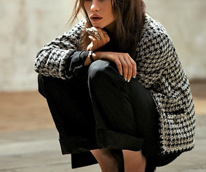 astrid bergès-frisbey and model image