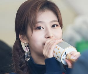 k-pop, kpop, and minatozaki sana image