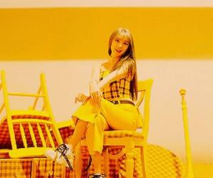 aesthetic, gif, and amarillo image