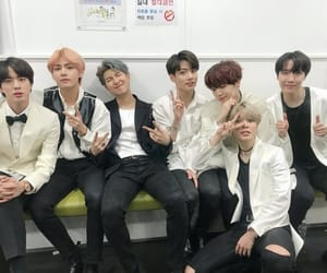 k-pop and bts image