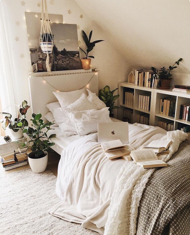 Reading In Cute Tumblr Bedroom On We Heart It