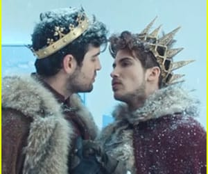 article and joey graceffa image