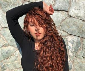 amor, moda, and curlyhair image