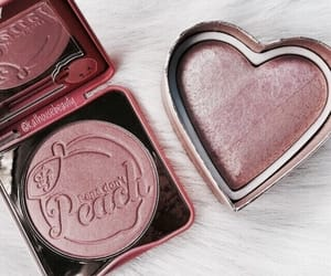 makeup, peach, and too faced image