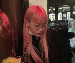 girl, ulzzang, and pink image