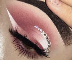 beauty, cut crease, and cateye image