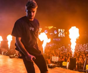 concert, the chainsmokers, and drew taggart image