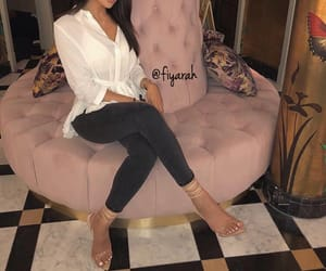 outfit clothes chic, goal goals life, and ootd tenue love image