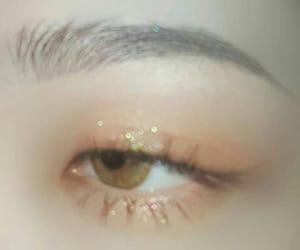 eye, glitter, and kfashion image