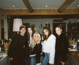 louis tomlinson, family, and one direction image