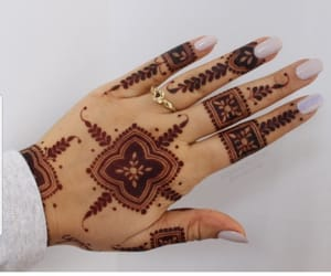 hand, henna, and main image