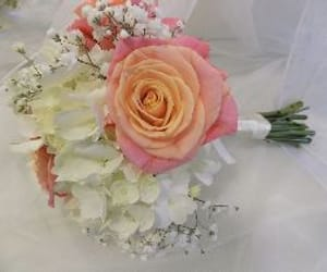 wedding flowers and great brickhill image