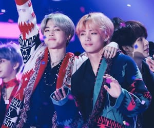 best friends, v, and kim taehyung image