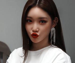 kpop, icon, and chungha image
