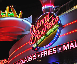 food and johnny rockets image