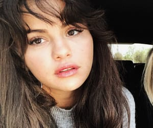selena gomez, beauty, and celebrity image