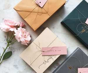 aesthetic, box, and gift image