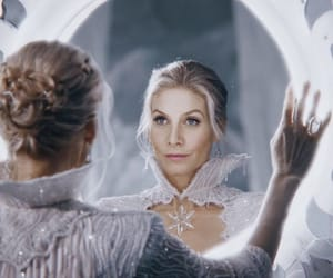 elizabeth mitchell and once upon a time image