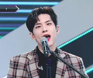brown hair, 원필, and 180903 image