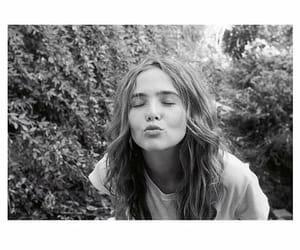 actress, kiss, and zoey deutch image