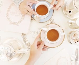tea and chic image