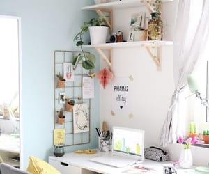 desk and decoration image