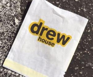 drew and drew house image