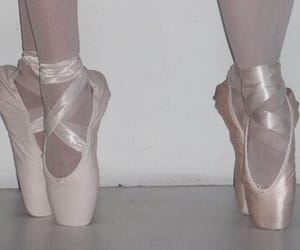 aesthetic, angel, and pointe image