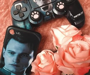 nerdy+geek+weeaboo, playstation+gamepad, and detroit+become+human image
