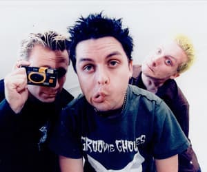 billie joe armstrong, blue hair, and green day image