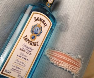 bombay and sapphire image