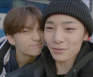 hyunjin and jeongin image