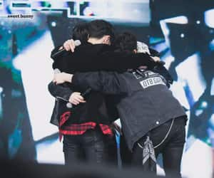group hug, 181230, and ygnbg image