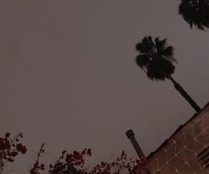 sky, wallpaper, and lockscreen image