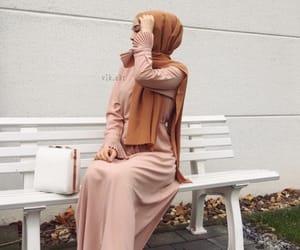 fashion, hijabista, and hijâbi image