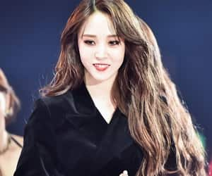 idol, moonbyul, and messy hair image