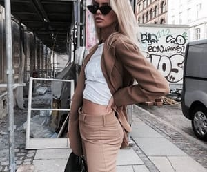chic and girl image