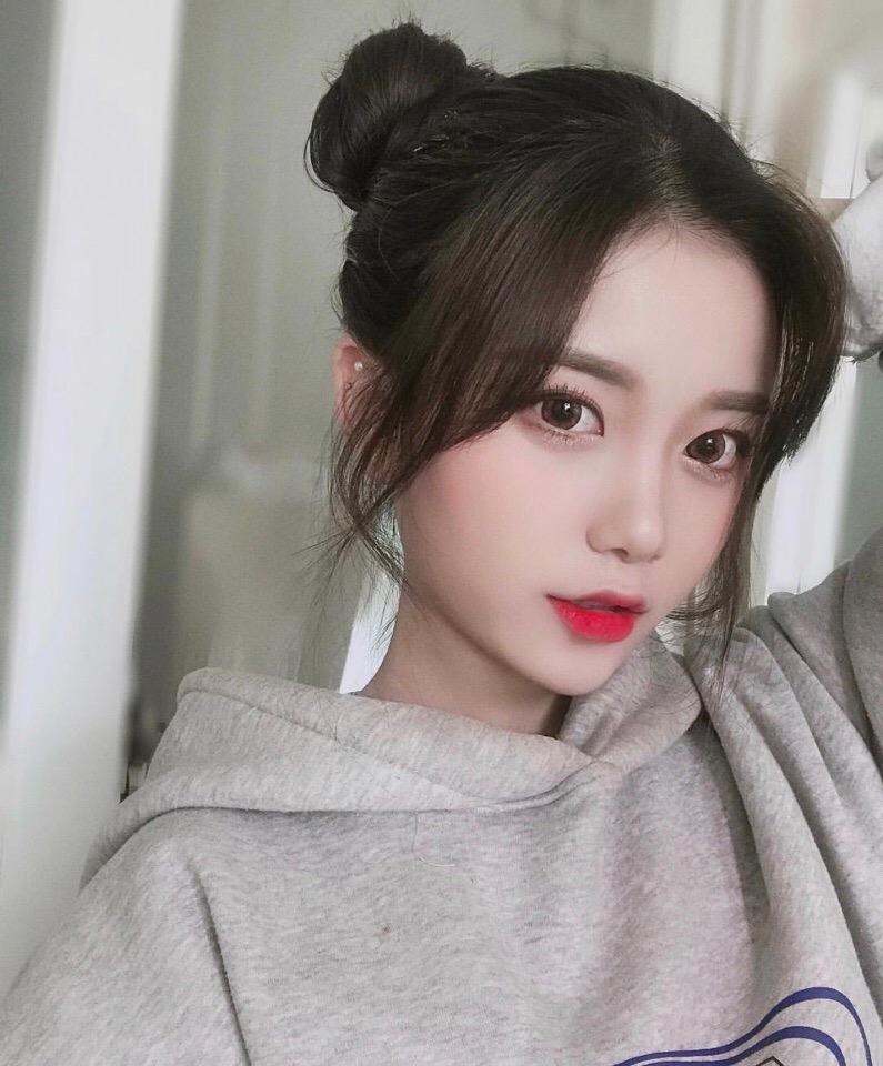 Girls korean Beautiful Korean
