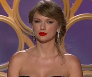 golden globes, Taylor Swift, and 2019 image