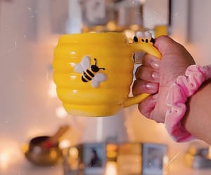 bee, cups, and arı image