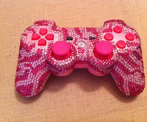 controller and pink image