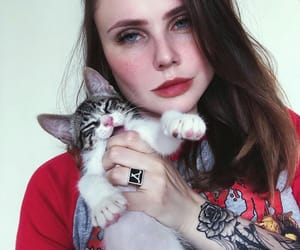 alt girl, tattoo, and Gatos image