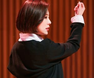 kpop, wheein, and short hair image