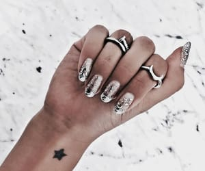 accessoires, nails, and jewellery image
