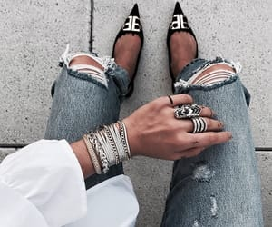 accesories, body, and ripped jeans image